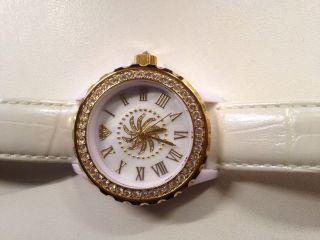 Sarah Kern Qvc Hse Damenuhr Weiß Gold Swarovskikristalle Lederarmband Bild