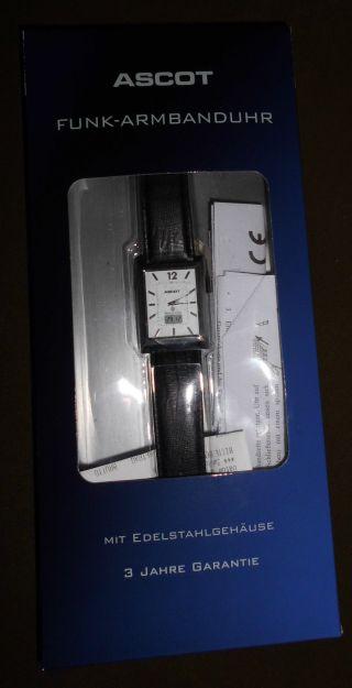 Funk - Armbanduhr Edelstahlgehäuse Inkl.  Lithium Qualitätsbatterie