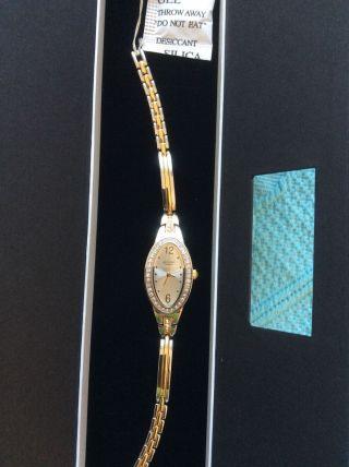 Elegante Damenuhr Armbanduhr Valentinstag? Bild