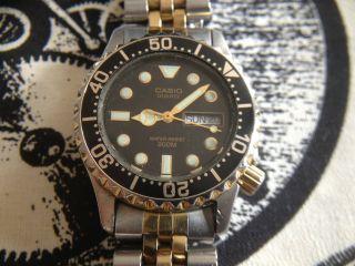 Casio Md - 702 Armbanduhr 200m Day Date Uhr Rar Selten Bild