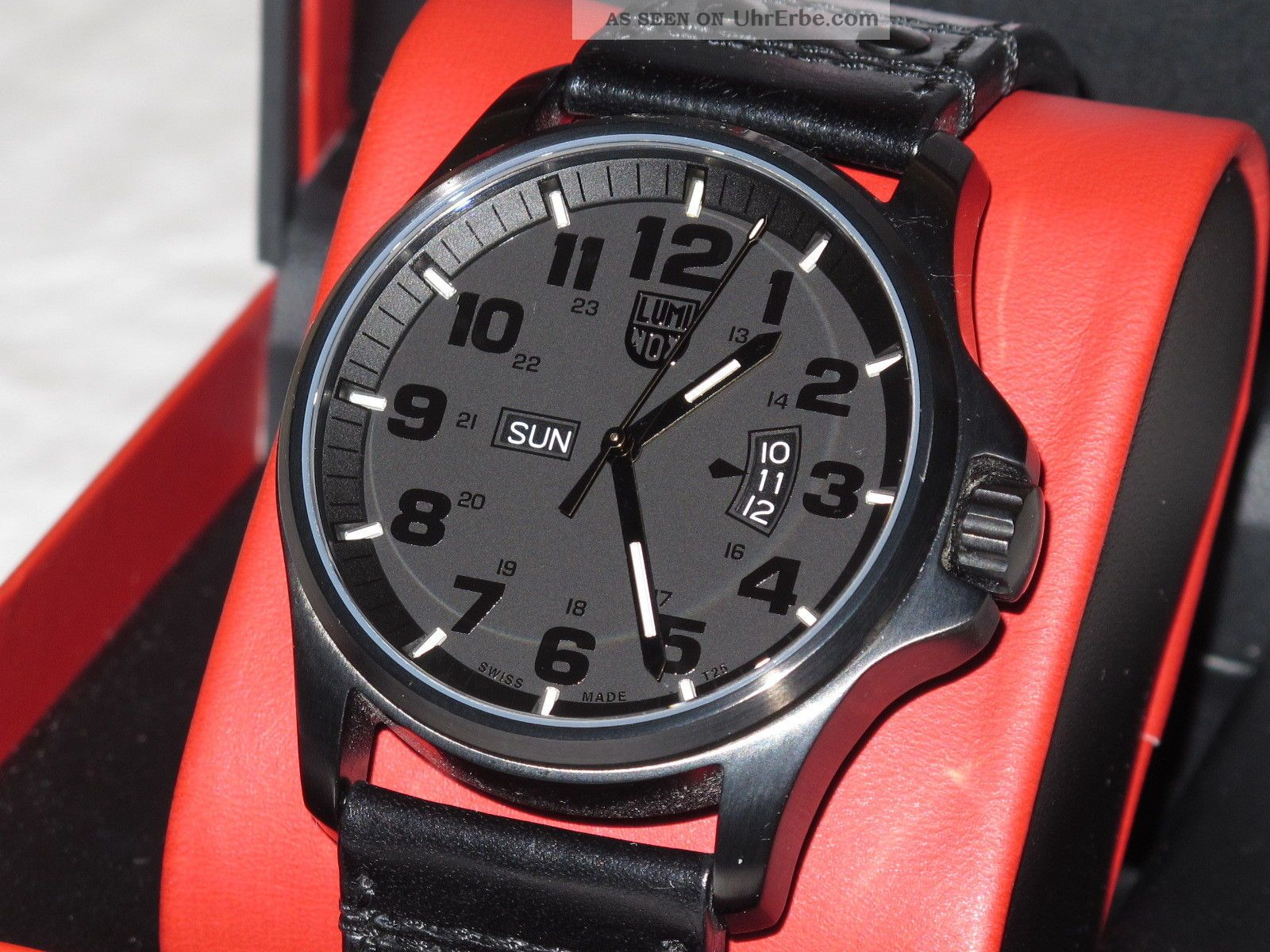 Luminox Field Day Blackout Armbanduhren Bild