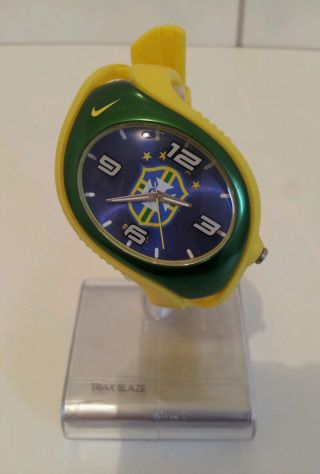 Nike - Fussball Uhr Triax Blaze Brazil Gelb - GrÜn Bild