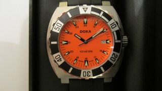 Doxa Orange,  Swiss Made Bild