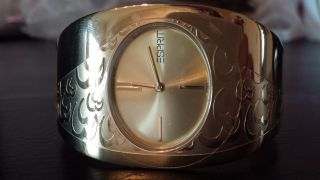 Goldfarbene Esprit Damen - Armbanduhr Gold Damenuhr Bild