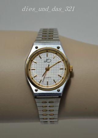 Ältere Damen Armbanduhr Edelstahl M.  Goldfarbenen Ornamenten Bild