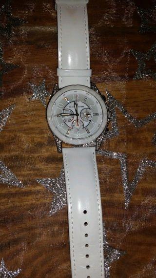 Tommy Hilfiger Uhr. Bild
