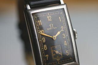 Omega Armbanduhr Kaliber T17 Schwarzes Zifferblatt 1930er Rare Sammleruhr Top Bild