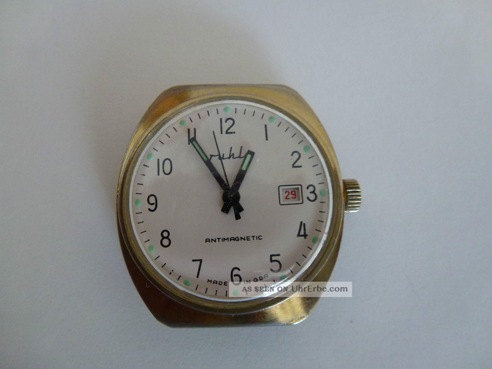 Hau Ruhla Mit Datum Kult Uhr Aus Der Ddr,  70er,  überholt. Armbanduhren Bild