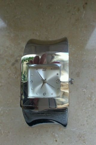 Lbvyr Spangen - Damen Uhr Sehr Edles Design Bild