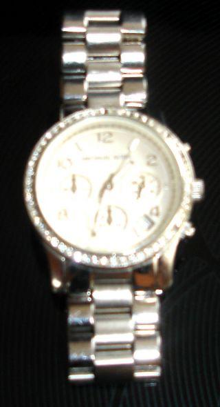 Michael Kors Mk 5083 Armbanduhr Analog Damen Silber Mit Steinen Elegant Top Ware Bild