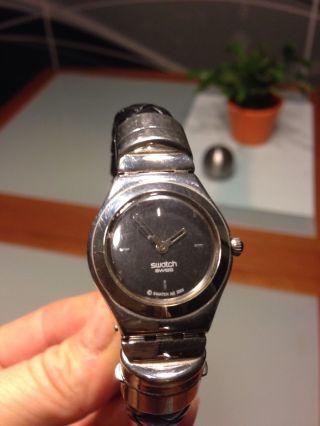 Seltene Swatch Irony Gelochtenes Echtlederarmband Schwarz Clipverschluss Bild