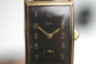 Zentra Armbanduhr Mit Schwarzem Zifferblatt Formwerkkaliber 1940er Jahre Bild