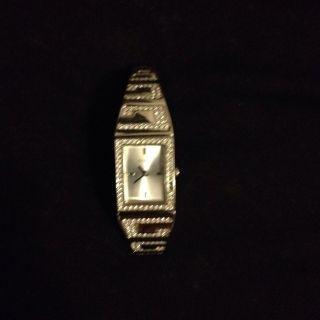 Guess Damenuhr Silber Bild