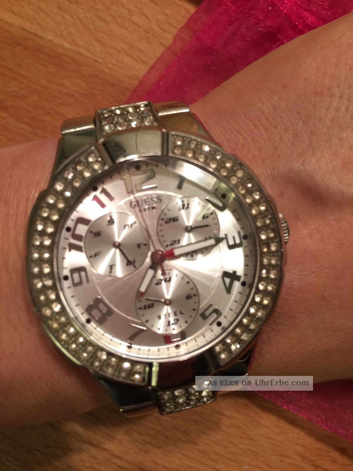 Wunderschöne Guess Uhr Armbanduhren Bild