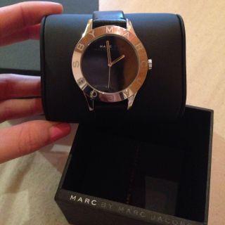 Marc Jacobs Uhr Modell Mbm 3044,  Lederarmband Schwarz Bild