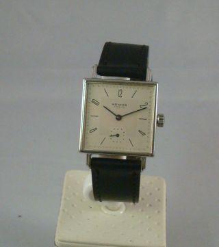 Nomos Tetra 27 Mm Handaufzug Armbanduhr, Bild