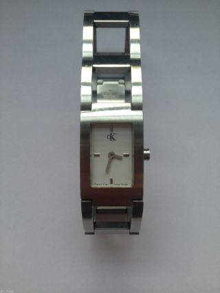 Hochwertige Calvin Klein Damen Armbanduhr Edelstahl Analog Modell K4111 Bild