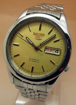 Seiko 5 Glasboden Automatik Uhr 7s26 - 00x0 21 Jewels Datum & Taganzeige Bild