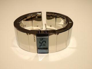 Dkny Damen Designer Armbanduhr Quarz Chrom Bild