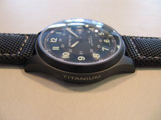 Hamilton Khaki Field Titan Militär Schwarz Automatik 42mm Eta2824 - 2 Wd10atm Bild