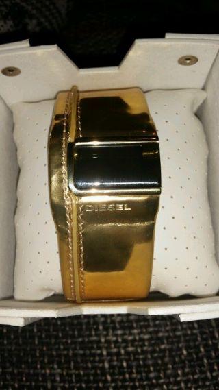 Diesel Uhr,  Gold,  Ungetragen,  Uhr,  Armbanduhr Bild