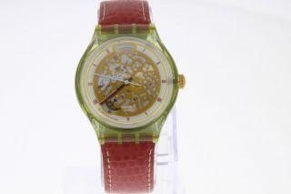 Swatch Automatic Armbanduhr Mit Skelettiertem Werk Und Sichtboden Old Stock Bild