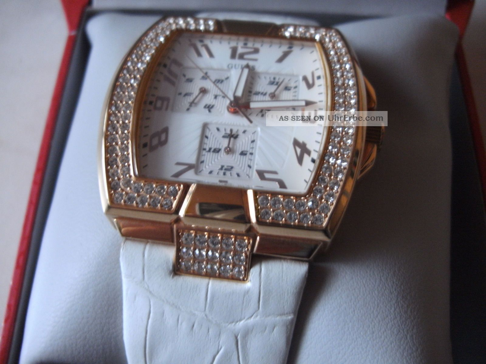 Guess Damenuhr Mit Swaroski Kristalle U.  Leder Armband,  Neue Batterie Armbanduhren Bild
