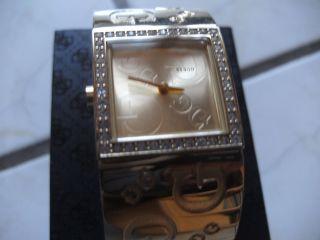 Guess Damenuhr In Goldoptik U.  Swaroski Kristalle,  Box,  Anleitung,  Neue Batterie Bild