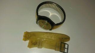 Swatch Armband Uhr Gold Mit Zwei Armbändern Bild
