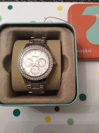Armbanduhr Damen Edelstahl Analog Mit Silbernem Ziffernblatt Fossil Es2860 Bild