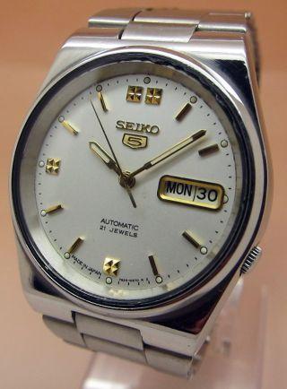 Seiko 5 Glasboden Mechanische Automatik Uhr 7s26 21 Jewels Datum & Taganzeige Bild