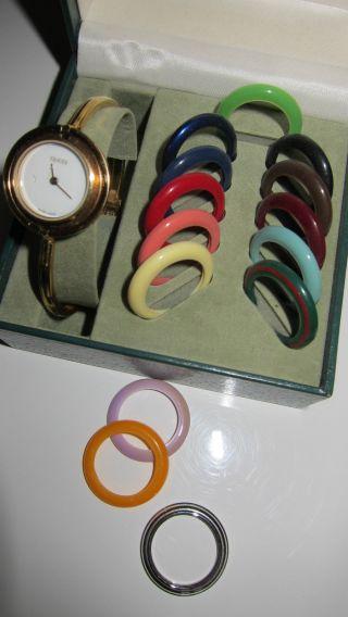 Sehr Schöne Damenuhr Von Gucci Timepieces Bild