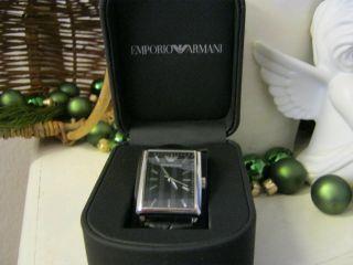 Emporio Armani Armbanduhr Luxusmarke Bild