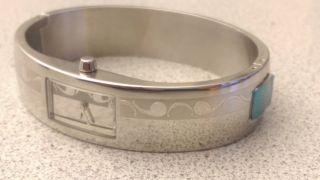 Mexx Uhr - Damenuhr - Armbanduhr | Armreif - Silber Mit Muster | Inkl.  Box Bild