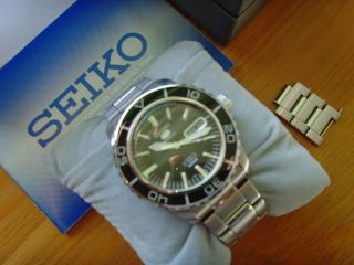 Seiko 5 Sports Snzh55k1 Herrenuhr Armbanduhr Automatik Ovp Bild