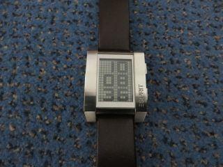 Esprit Uhr Damen/ Herrenuhr Future World Nr.  100321001 Lederarmband Braun Wie Bild
