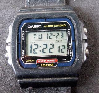 Casio Alarm Chronograph,  Herrenarmbanduhr,  Digitalanzeige,  Uhr Läuft, Bild