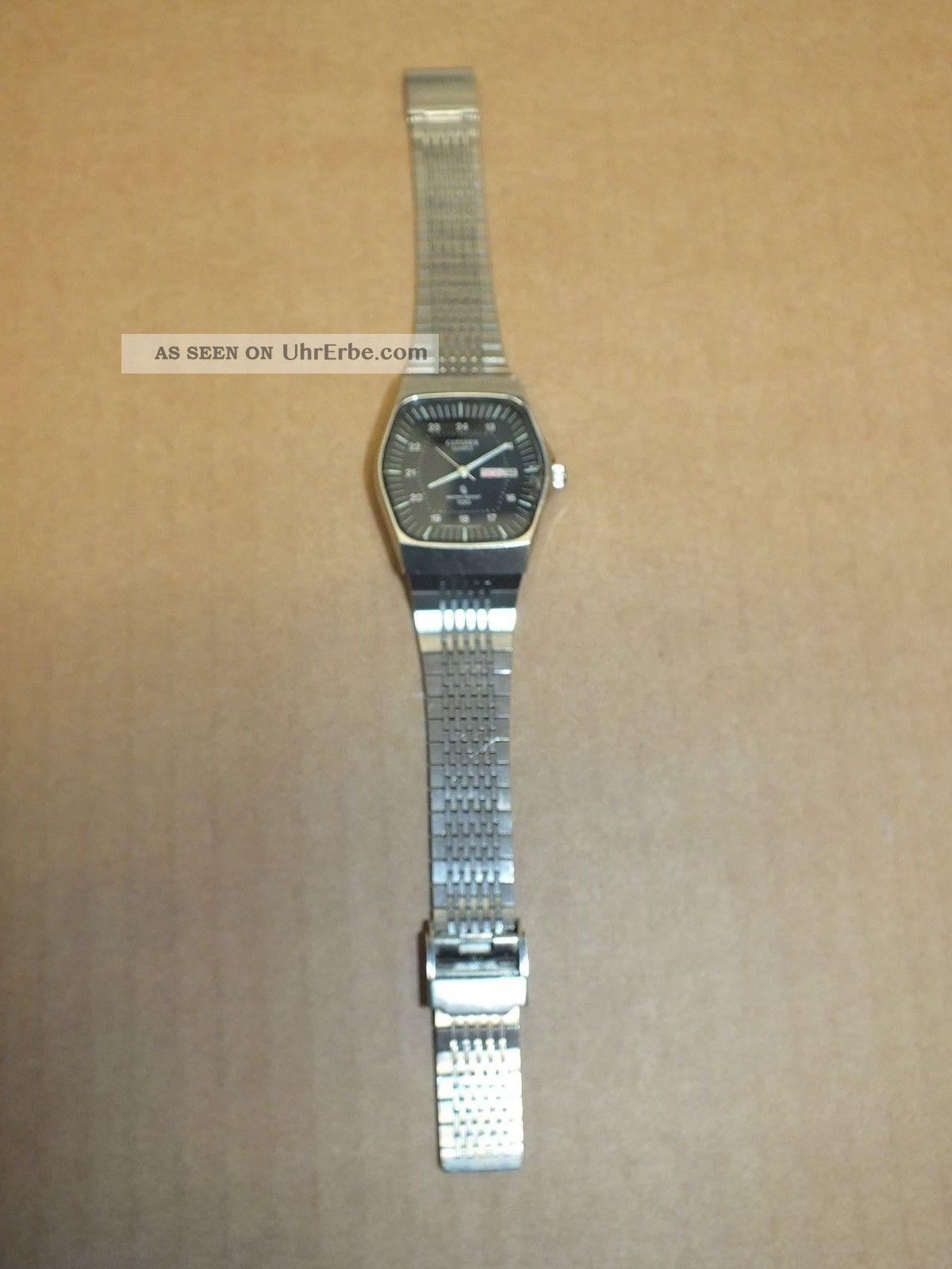 Citizen Herren Armbanduhr,  Metallarmband,  Datumsanzeige,  Quartz,  Water Resist Armbanduhren Bild